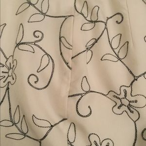 Dana Buchman Pants - Dana Buchman 100% silk embroidered pants